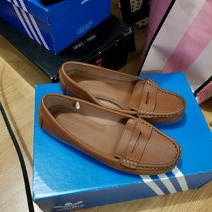 Old Navy Loafers size 6